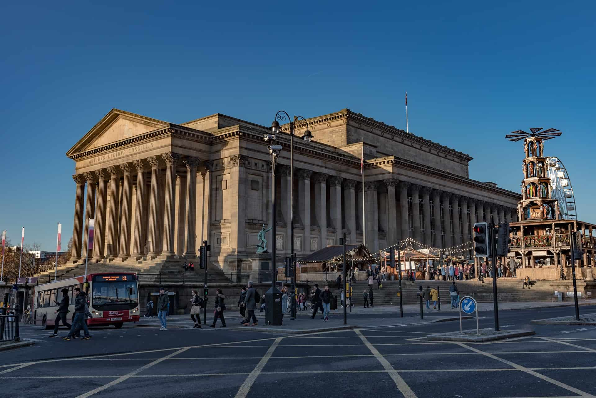 A photo graph of St. Georges Hall in Liverpool
